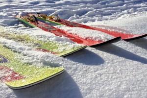 skis-584600_640